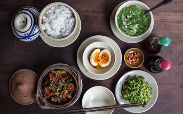 Cơm Niêu Sài Gòn – Tú Xương