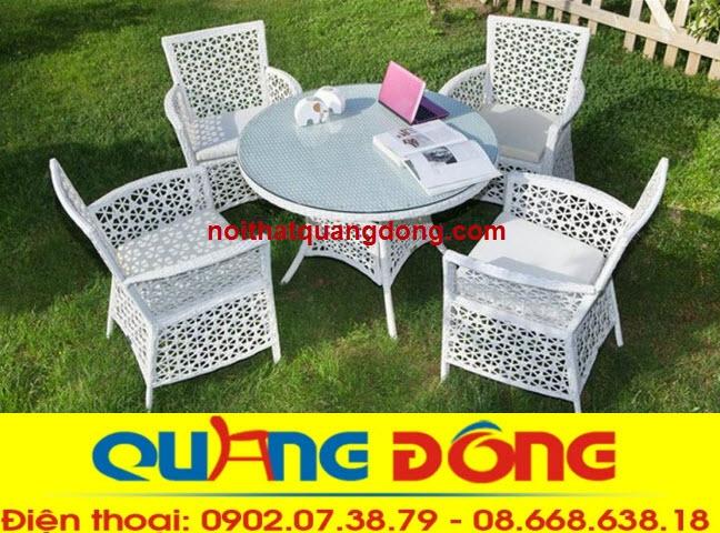Bàn ghế Quang Đông