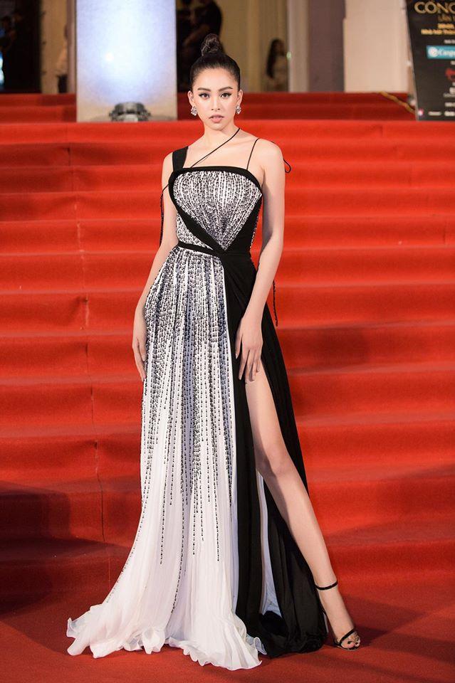 Đầm dạ hội sang trọng, quý phái đến từ thiết kế Linh San