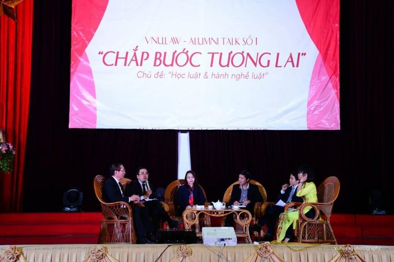 Tọa đàm sinh viên cùng các diễn giả