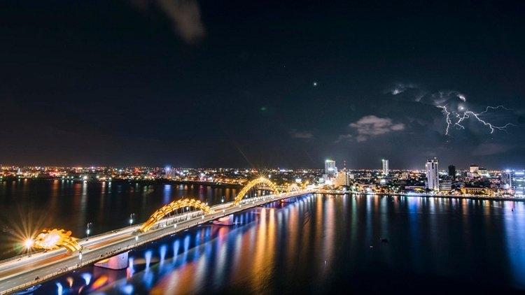Cầu Hàm Rồng về đêm