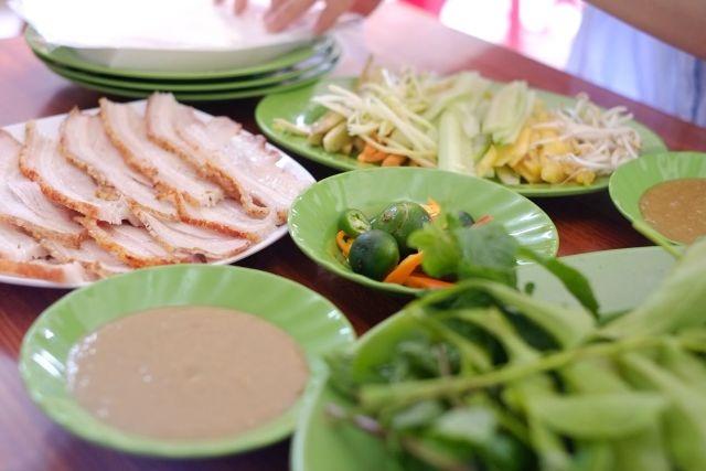 Đặc Sản Đà Nẵng - Bánh Tráng Cuốn Thịt Heo