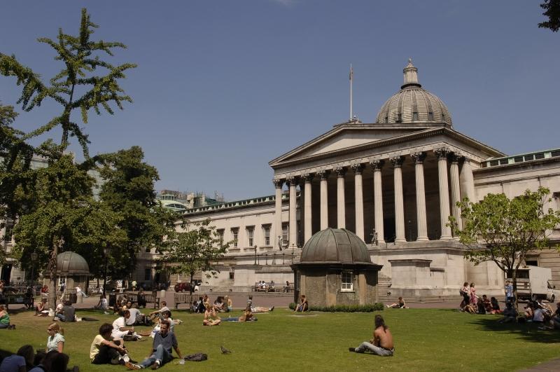 Các sinh viên của trường đại học cao đẳng London