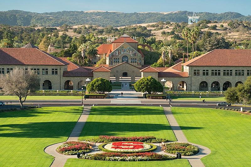 Toàn cảnh trường Đại học Stanford với khuôn viên lớn thứ 3 nước Mỹ