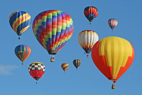 Ở Myanmar có dịch vụ du lịch bằng khinh khí cầu