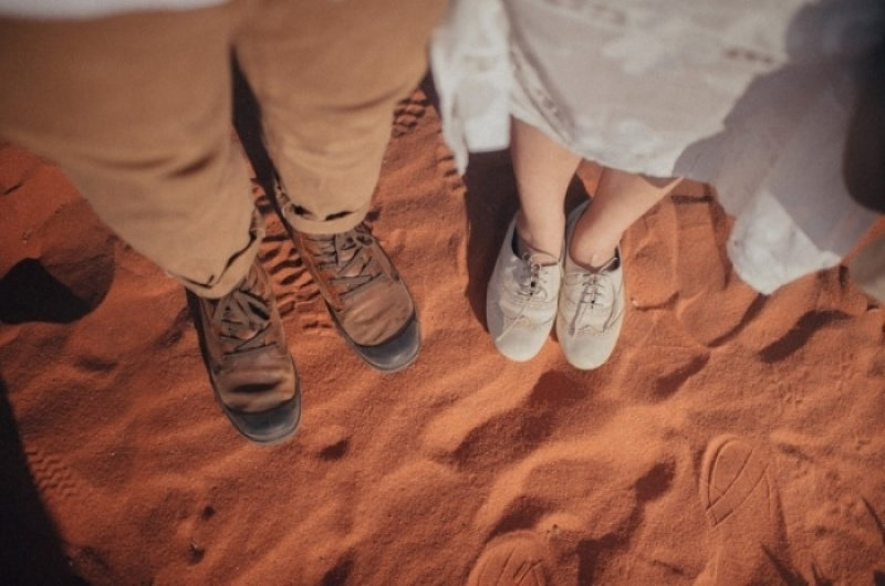 Đôi chân này cùng nhau bước mãi.
