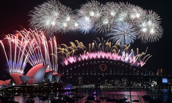 Pháo hoa ở cầu cảng Sydney - Úc