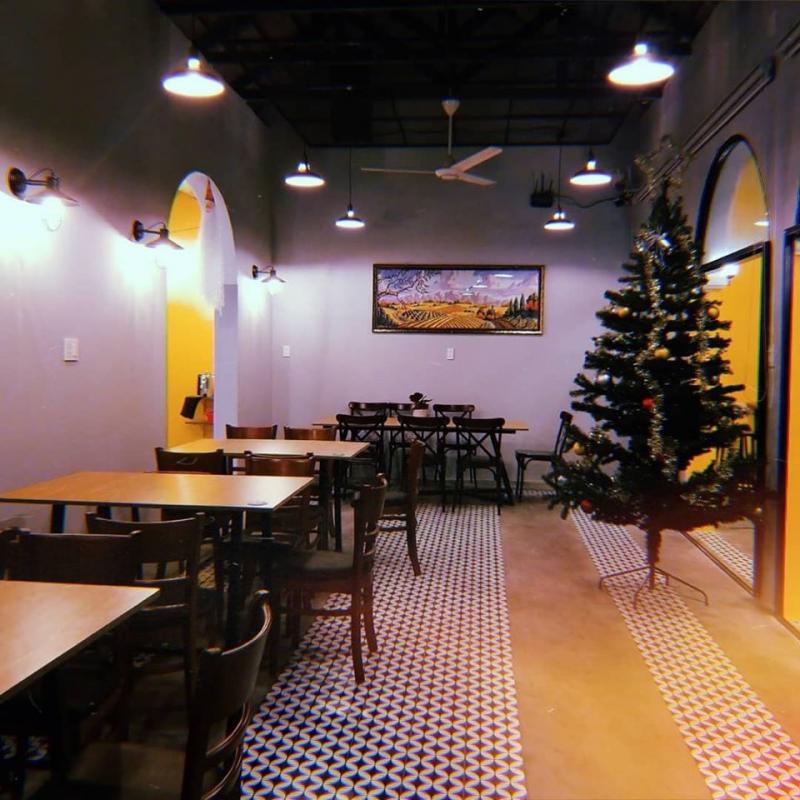 90's CAFE