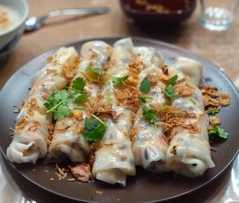 Bánh cuốn thịt nướng - Trần Nhật Duật