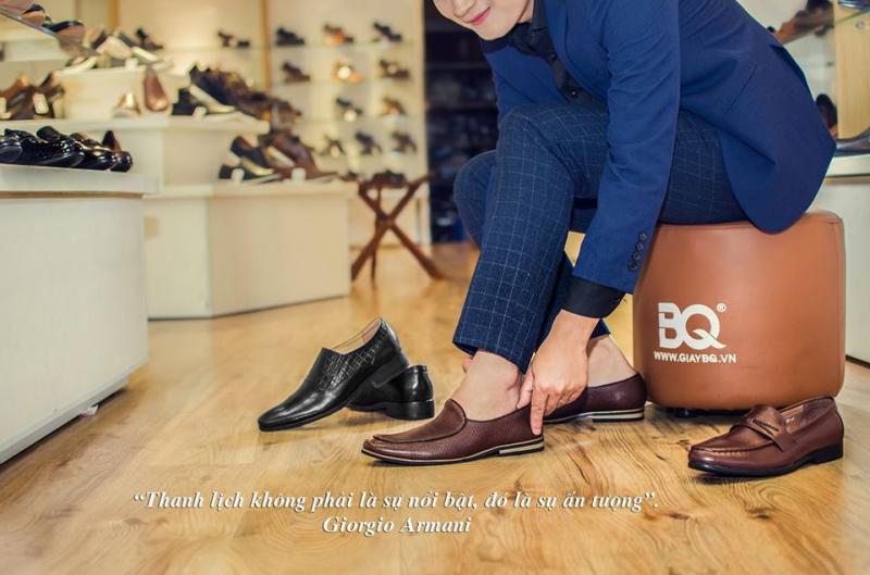 Đến với shop BQ Đức Tuấn bạn sẽ choáng ngợp trước thế giới toàn giày, bạn có thể tha hồ lựa chọn phong cách, mẫu mã nào cũng có