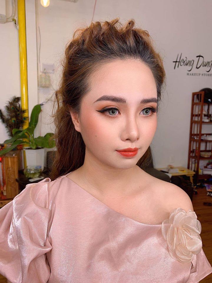 Hoàng Dung Makeup Store