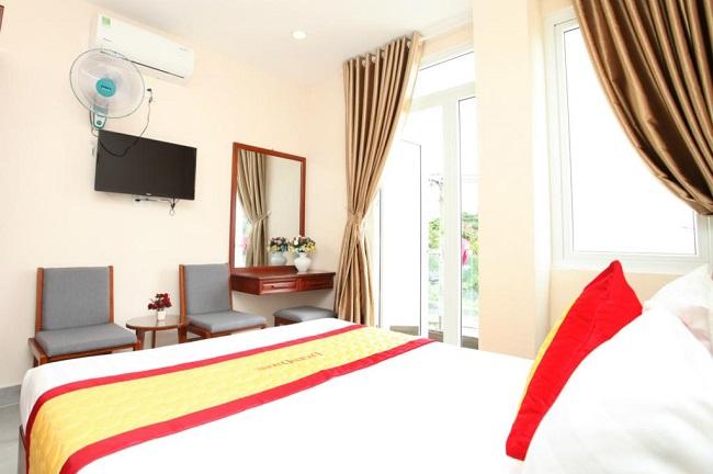 Khách sạn Đông Phương