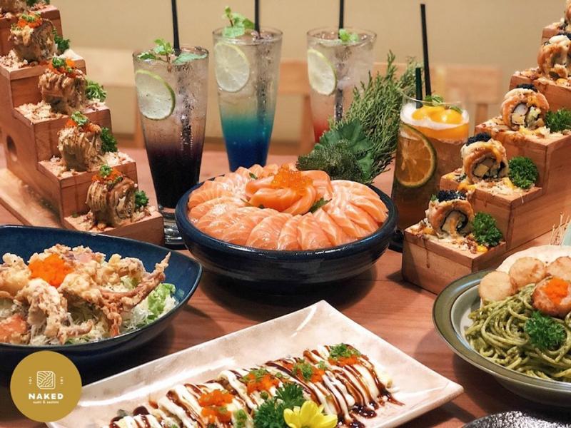 Menu của Naked Sushi & Sashimi dường như hội tụ gần đủ những tinh hoa sushi của Nhật Bản.