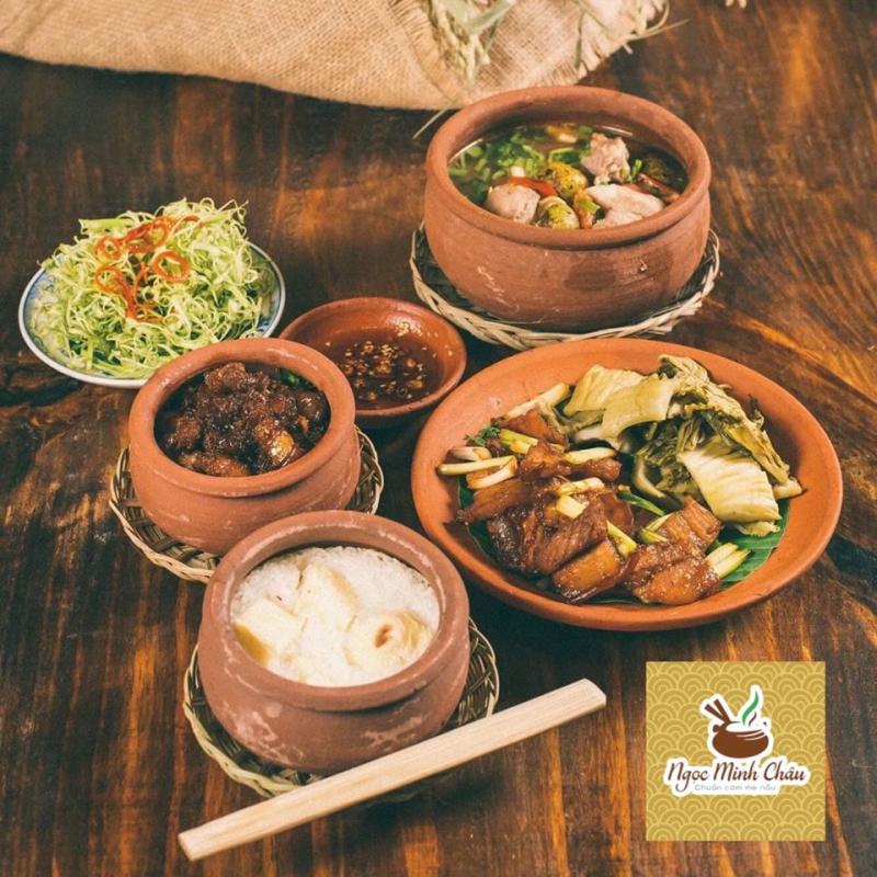 Cơm niêu hấp dẫn tại nhà hàng Ngọc Minh Châu