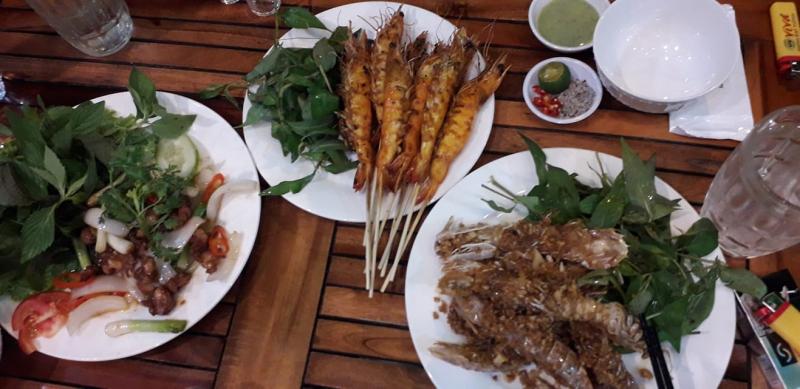 Quán ăn Sân Vườn Hưng Hồng