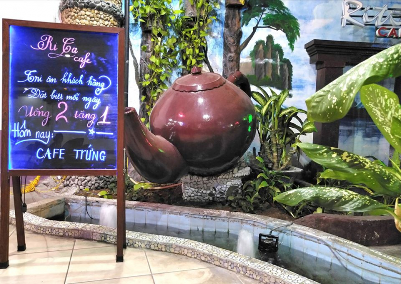 Cafe Rita là địa điểm lý tưởng để gặp gỡ khách hàng, đối tác và là nơi chụp hình cực đẹp nên các tín đồ sống ảo
