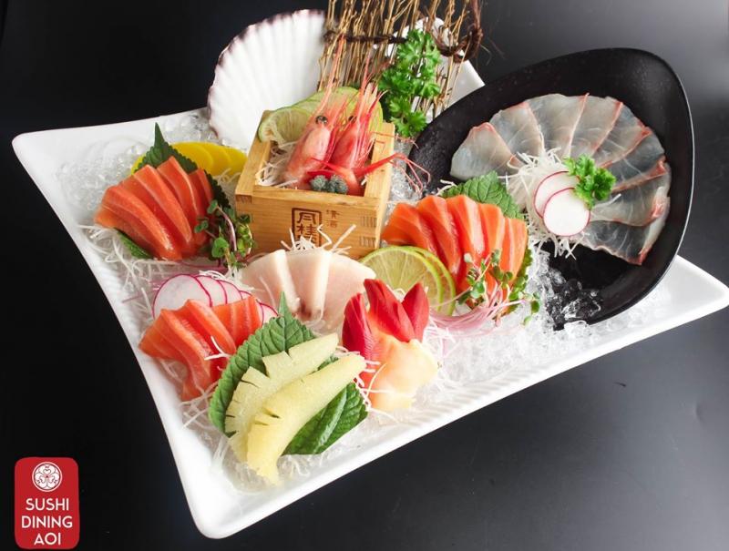 Tại đây, bạn có thể gọi món riêng lẻ hoặc ăn theo vé buffet