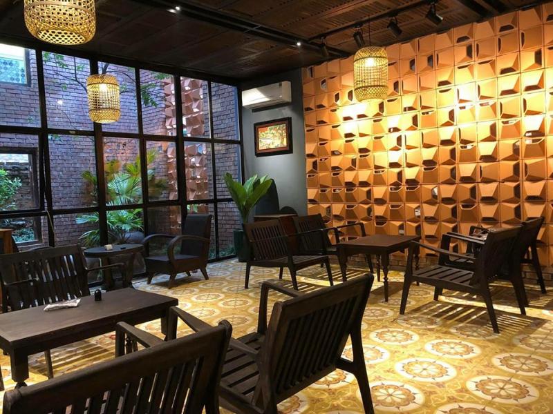 Tiệm cà phê Ngói Đỏ