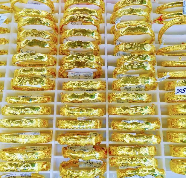 Mẫu sản phẩm tại tiệm vàng Nhị Mai