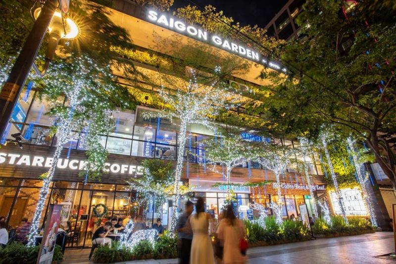 trung tâm thương mại Sài Gòn Garden.