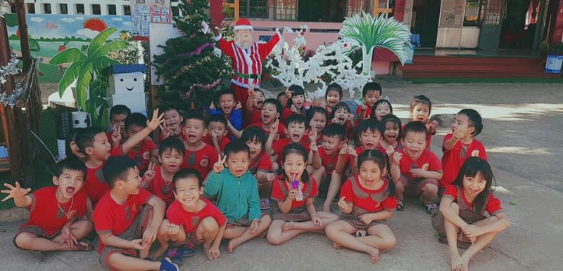 Trường mầm non Hoa Hồng