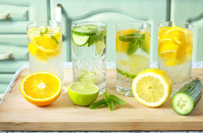 Uống nước chanh không đường mỗi sáng