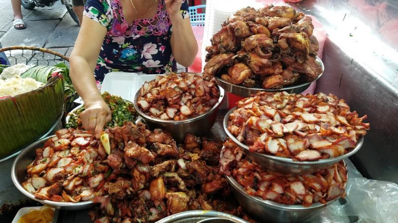 Xôi gà chợ Bà Chiểu
